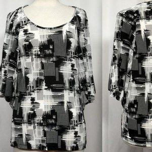 MILANO Black & White Abstract Pullover Top S